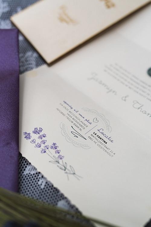 huwelijkshuisstijl trouwkaart houten wijnkaart