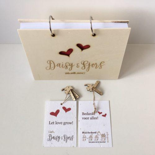 huwelijkshuisstijl trouwbedankjes groeibedankjes houten gastenboek