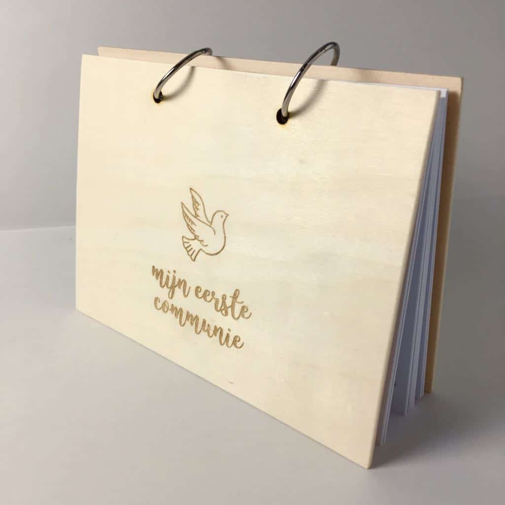 Houten Communie Vriendenboek, invulboek, gastenboek