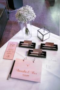 trouwhuisstijl huwelijkshuisstijl houten trouwkaart gastenboek