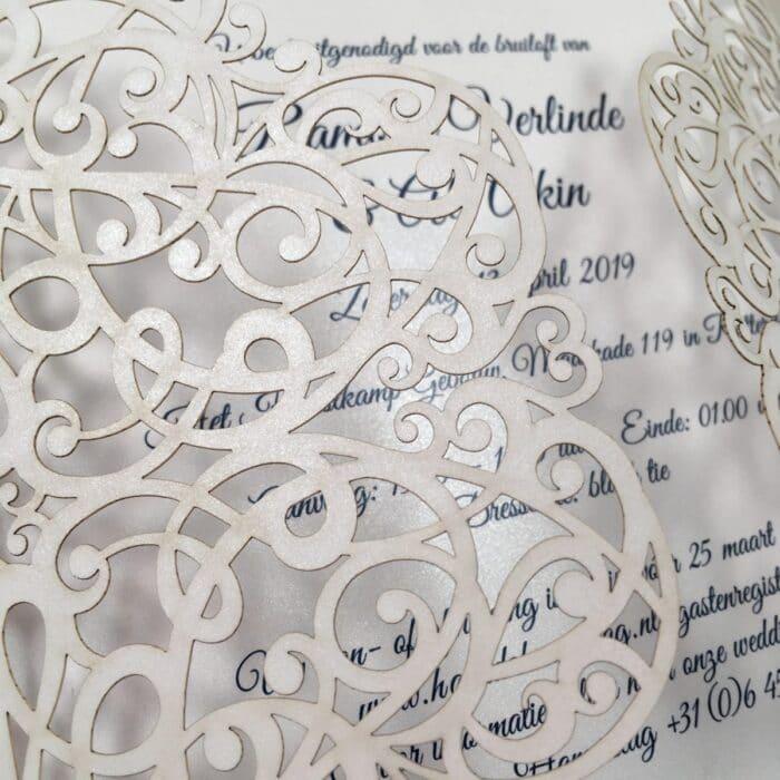 gelaserde trouwkaart detail trouwkaart chic
