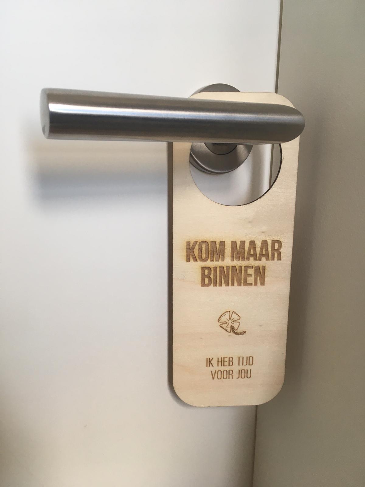 houten deurhanger kommaarbinnen