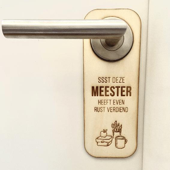 Deurhanger Meester